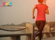 教你4招拥有挺拔的背影 6步让你轻松变健壮