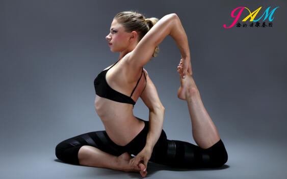 健身运动.jpg