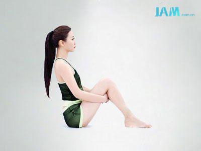 这样的动作能瘦腿?无论如何也要试试的 热点