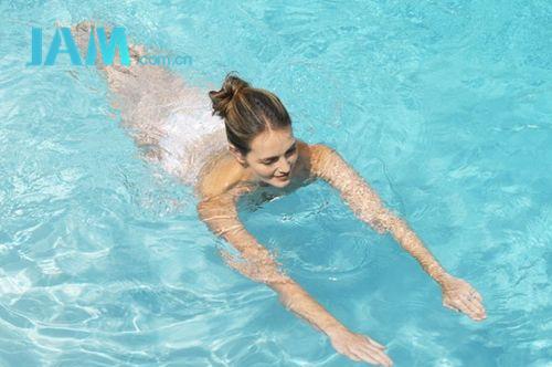适合夏季的有氧运动——游泳 减肥 游泳 有氧运动 夏季 指南  第1张